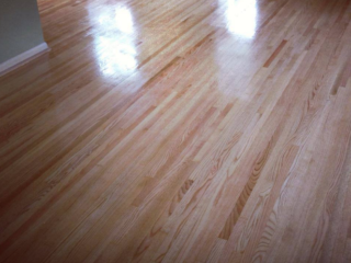 Light Red Oak Flooring In Bloomington